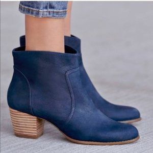 Sole Society Leather Navy Blue Booties, 7.5